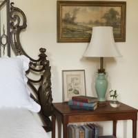 Acanthus Bedside